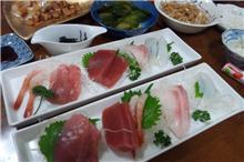サカイ家夫の手料理刺身.jpg
